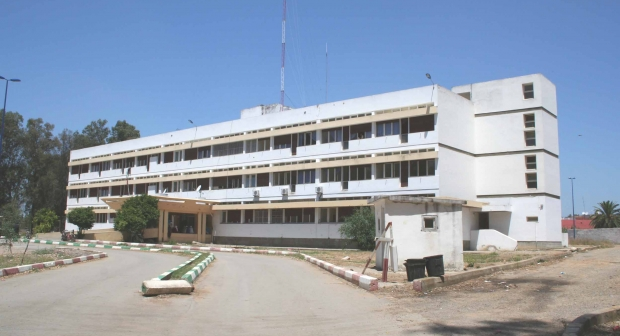 المكتب المحلي للمركز الاستشفائي الإقليمي بالقنيطرة يصعد ضد الإدارة