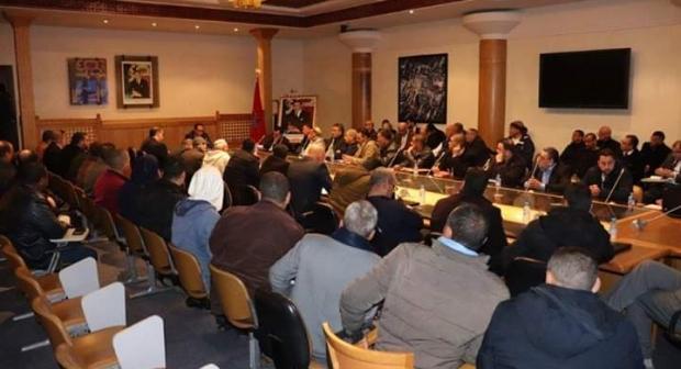 النقابة الوطنية لقطاع النقل الطرقي للبضائع تواصل لقاءاتها مع وزارة التجهيز والنقل